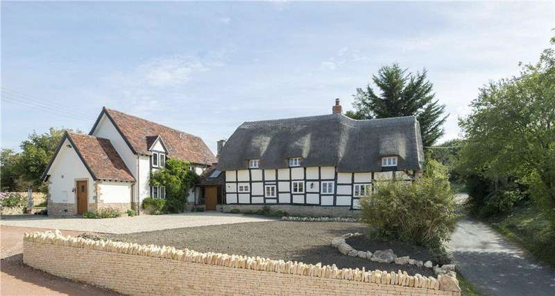 4 Bedrooms Detached House for sale in Manor Lane, Bredons Norton, Gloucestershire, GL20