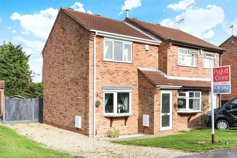 2 Bedrooms Semi Detached House for sale in Falklands Close, Lincoln, LN1