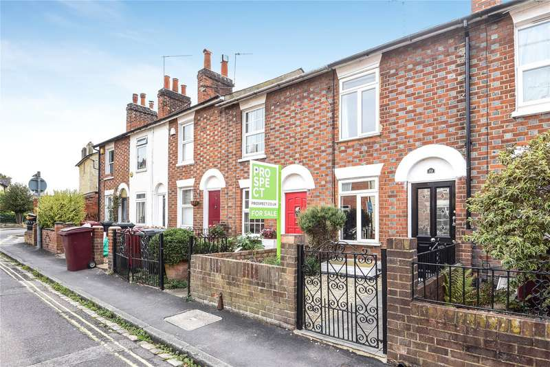 3 Bedrooms Terraced House for sale in St. Johns Road, Reading, Berkshire, RG1