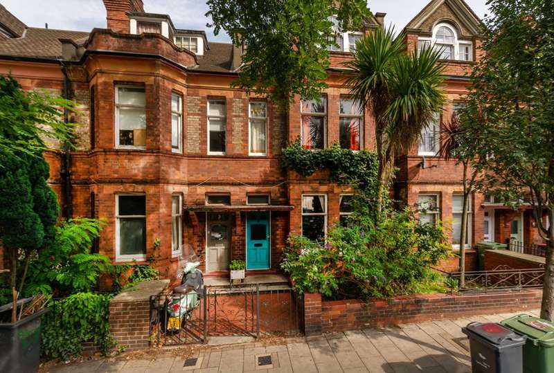 4 Bedrooms Terraced House for sale in Barcombe Avenue, Streatham Hill, SW2