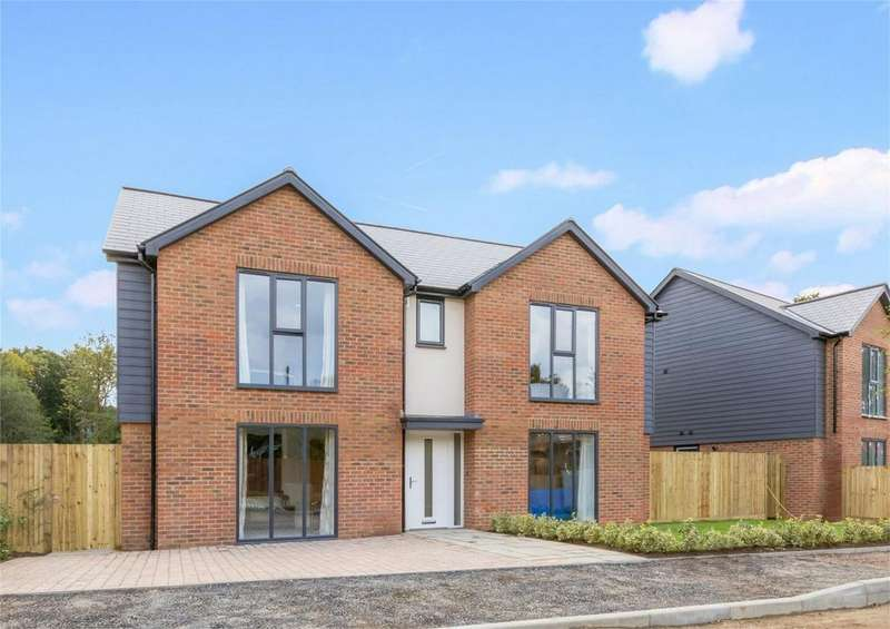 4 Bedrooms Detached House for sale in Ditchling Road, Wivelsfield, East Sussex