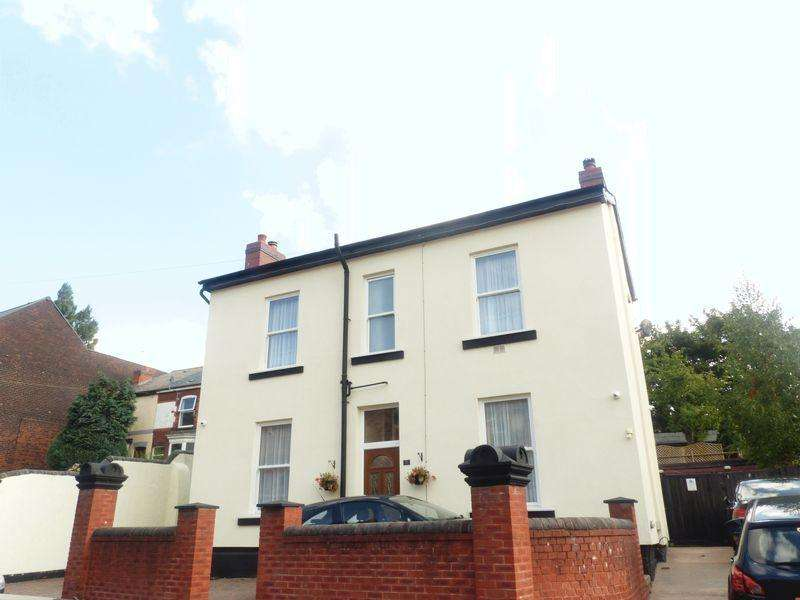 4 Bedrooms Semi Detached House for sale in Sandwell Street, Walsall