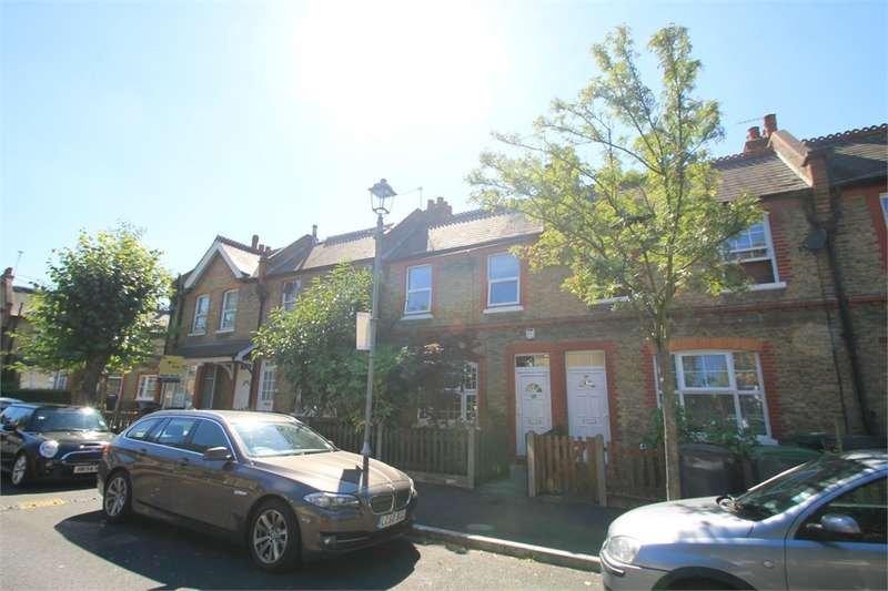 3 Bedrooms Terraced House for sale in Peabody Cottages, N17