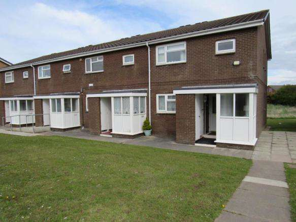 2 Bedrooms Flat for sale in Kincraig Place, Blackpool, FY2 0NA