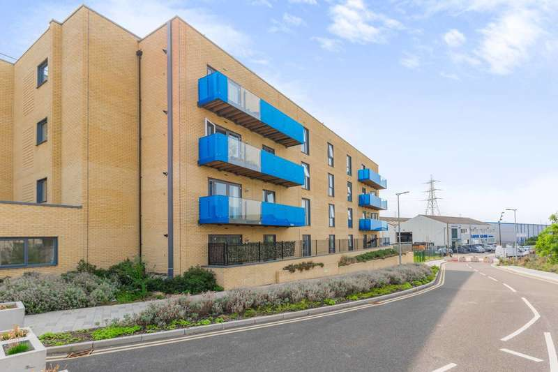 2 Bedrooms Flat for sale in Crossness Road, Barking, IG11