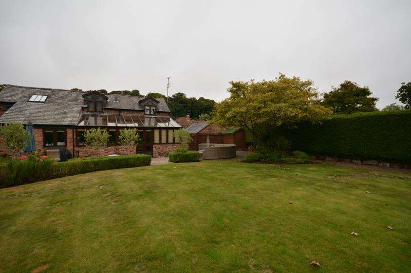 4 Bedrooms Link Detached House for sale in Whitehouse Farm, The Village, Burton, CH64 5TQ