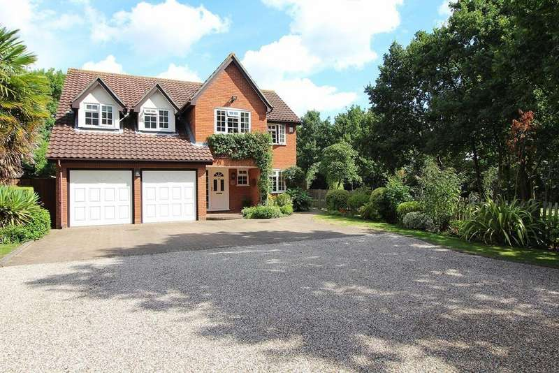 5 Bedrooms Detached House for sale in East Hanningfield Road, Sandon, Chelmsford, Essex, CM2