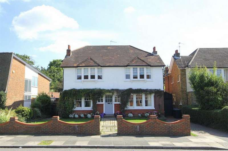 6 Bedrooms Detached House for sale in Old Park Ridings, London