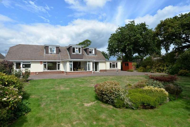 5 Bedrooms Chalet House for sale in Chestnut Avenue, Barton On Sea, New Milton