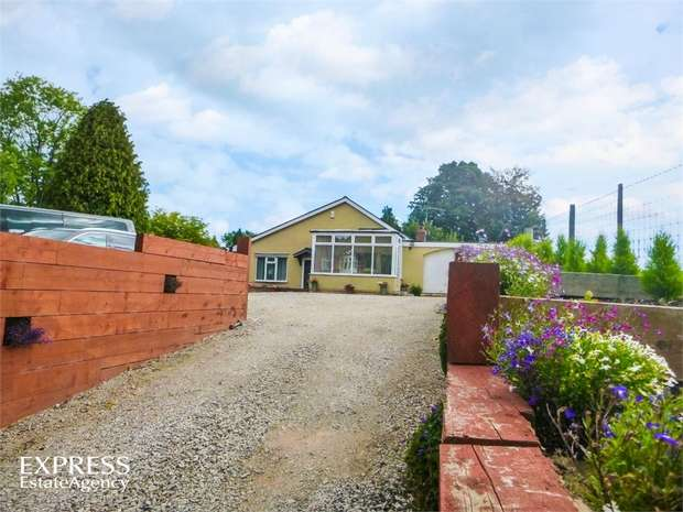 3 Bedrooms Detached Bungalow for sale in Talwrn Road, Legacy, Rhostyllen, Wrexham