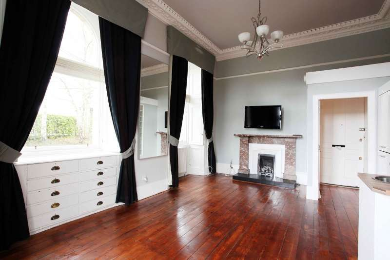 1 Bedroom Ground Flat for sale in St. Leonards Street, Dunfermline, Fife, KY11 3AW