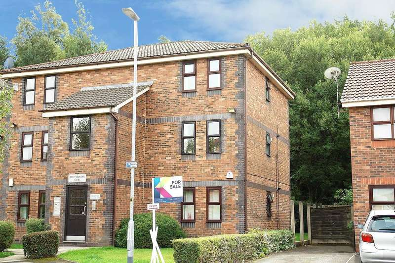 1 Bedroom Flat for sale in St Phillips Drive, Royton, Oldham