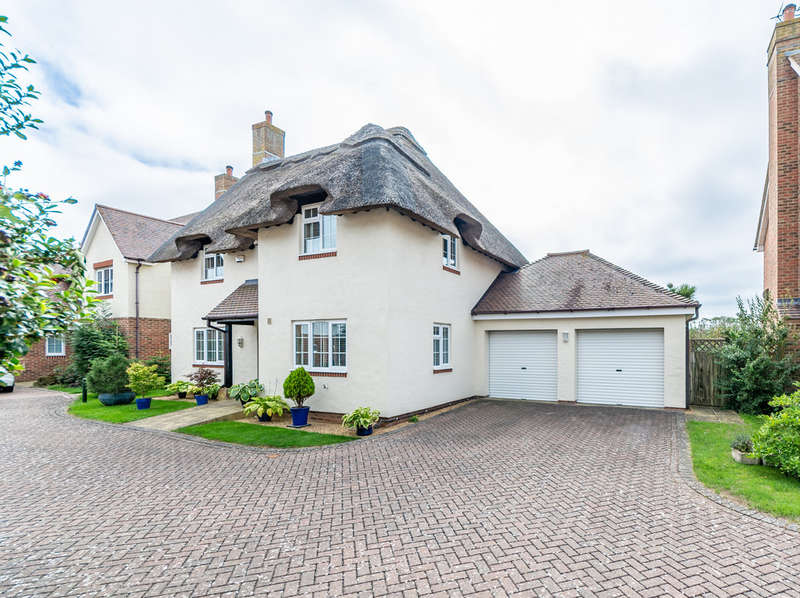 4 Bedrooms Detached House for sale in Waterford Gardens, Climping