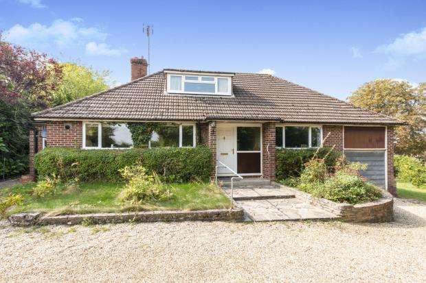 3 Bedrooms Bungalow for sale in Sherborne St John, Basingstoke, Hampshire