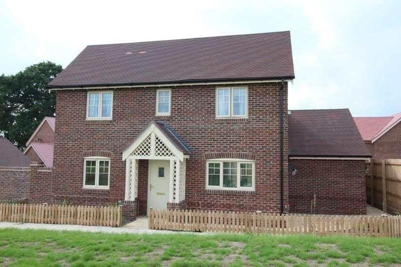 4 Bedrooms Detached House for sale in Knowle Park Lane, Fair Oak SO50