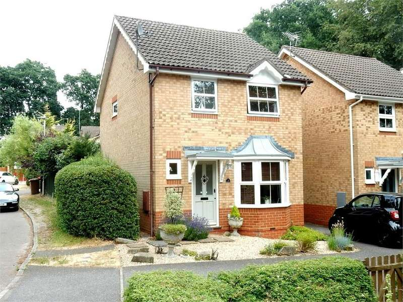 3 Bedrooms Link Detached House for sale in The Breech, College Town, Sandhurst, Berkshire