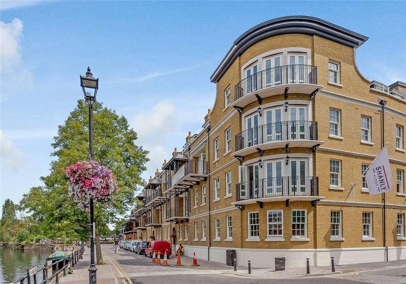 3 Bedrooms Flat for sale in Thameside, Windsor, Berkshire, SL4