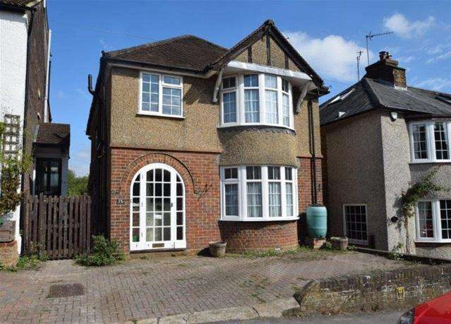 3 Bedrooms Detached House for sale in Vicarage Lane, Kings Langley