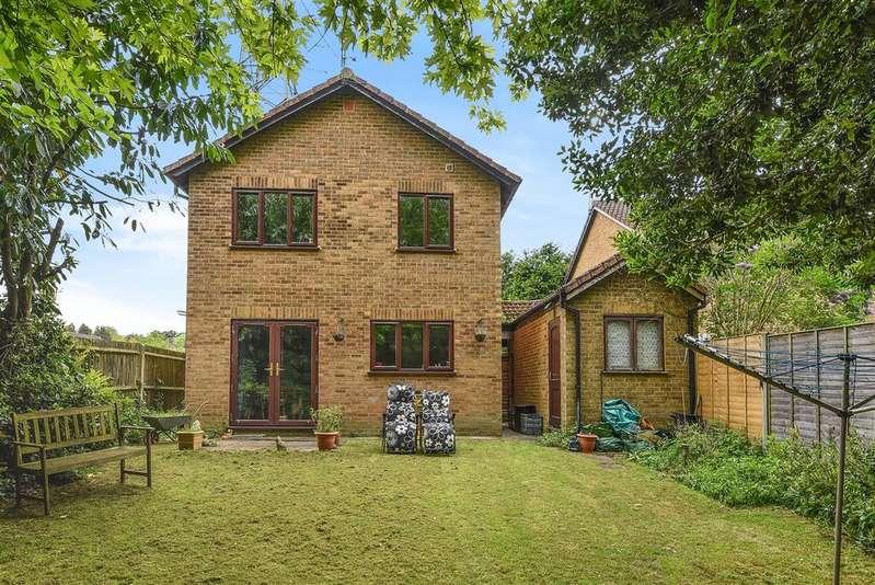 4 Bedrooms Detached House for sale in Ruskin Way, Wokingham, Berkshire RG41 3BP