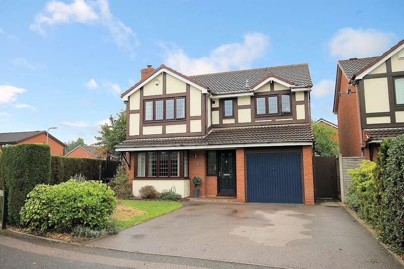 4 Bedrooms Detached House for sale in Hampshire Close, Fazeley, Tamworth
