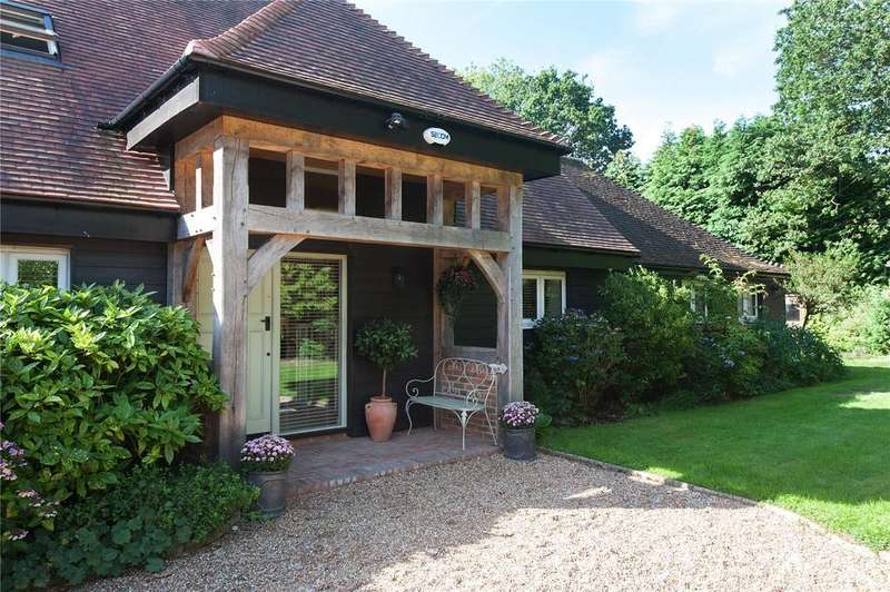 5 Bedrooms Detached House for sale in Cansiron Lane, Ashurst Wood, Nr East Grinstead, West Sussex