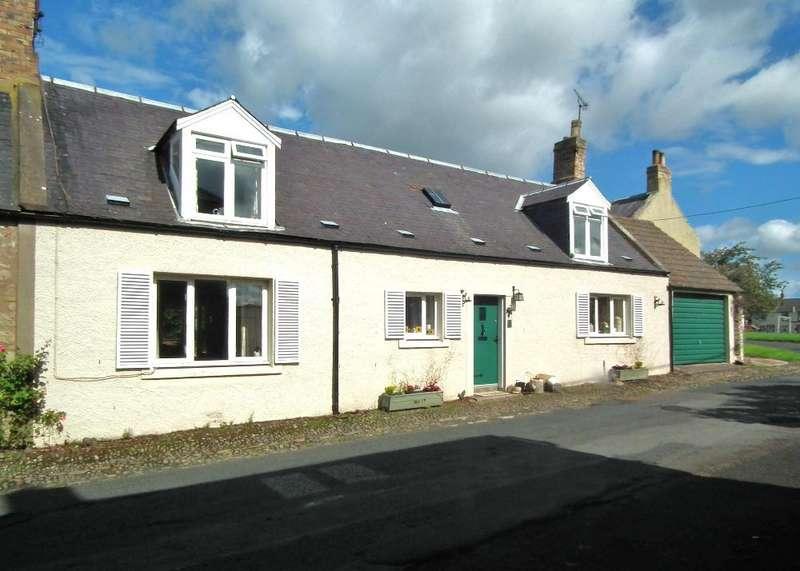 3 Bedrooms Terraced House for sale in 4 Maitland Row, Gavinton, Duns, Gavinton TD11 3QP