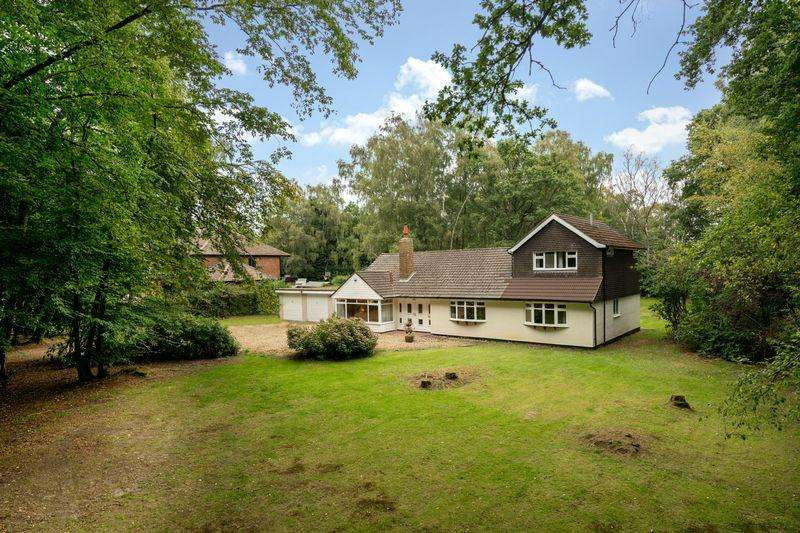 4 Bedrooms Detached House for sale in Oldhill Wood, Studham