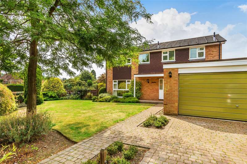 4 Bedrooms Detached House for sale in Horsell Rise, Horsell, Surrey, GU21