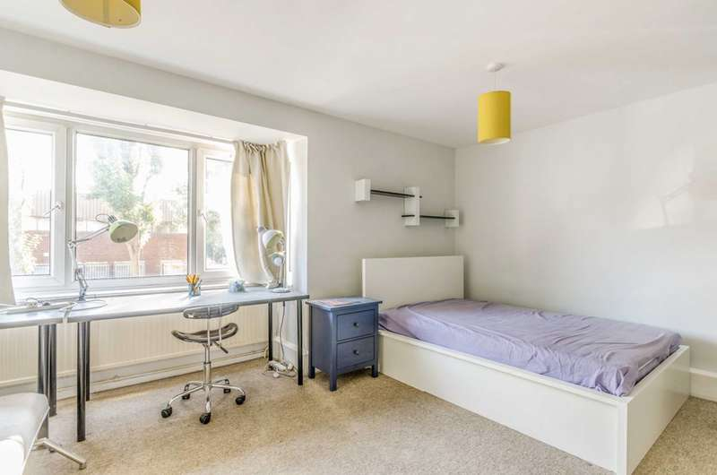 2 Bedrooms Maisonette Flat for sale in Cowdenbeath Path, Caledonian Road, N1