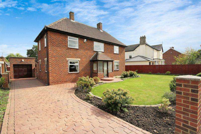 3 Bedrooms Detached House for sale in The Avenue, Fairfield, Stockton, TS19 7ET