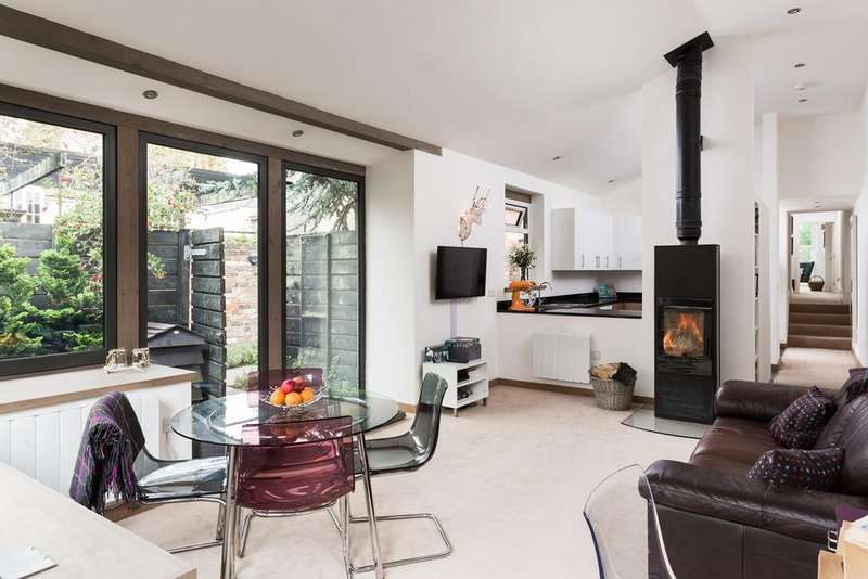 2 Bedrooms Apartment Flat for sale in Clifton Green, York, YO30