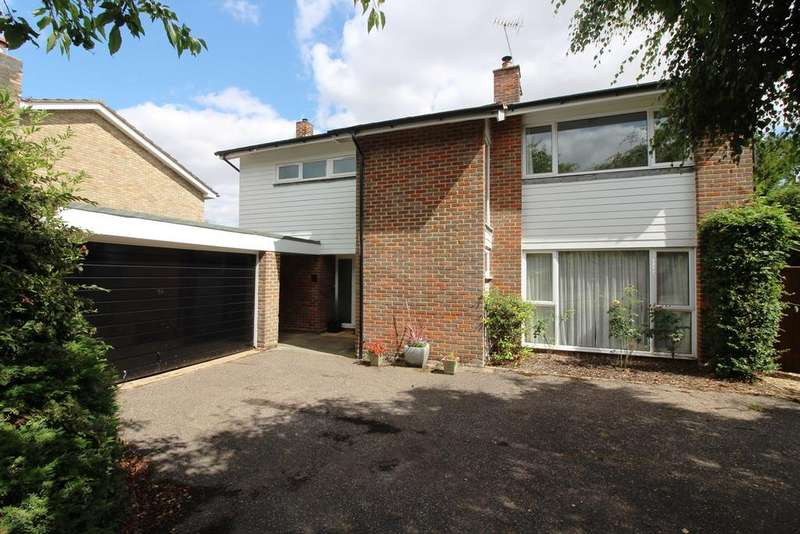 4 Bedrooms Detached House for sale in Munts Meadow, Weston, Hitchin, SG4