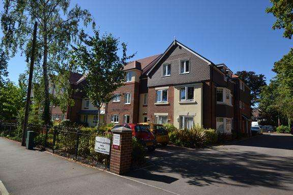 1 Bedroom Apartment Flat for sale in FLEET