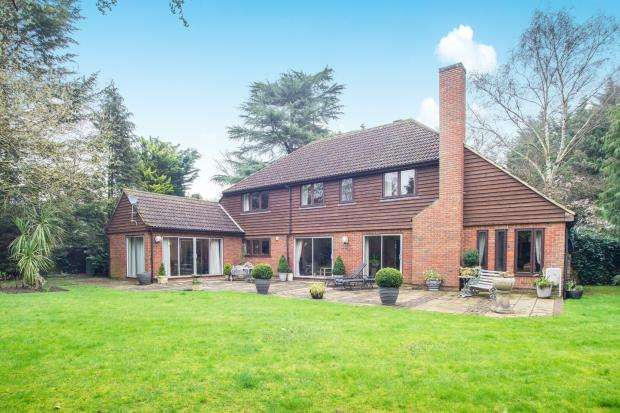 5 Bedrooms House for sale in Esher, Surrey, UK