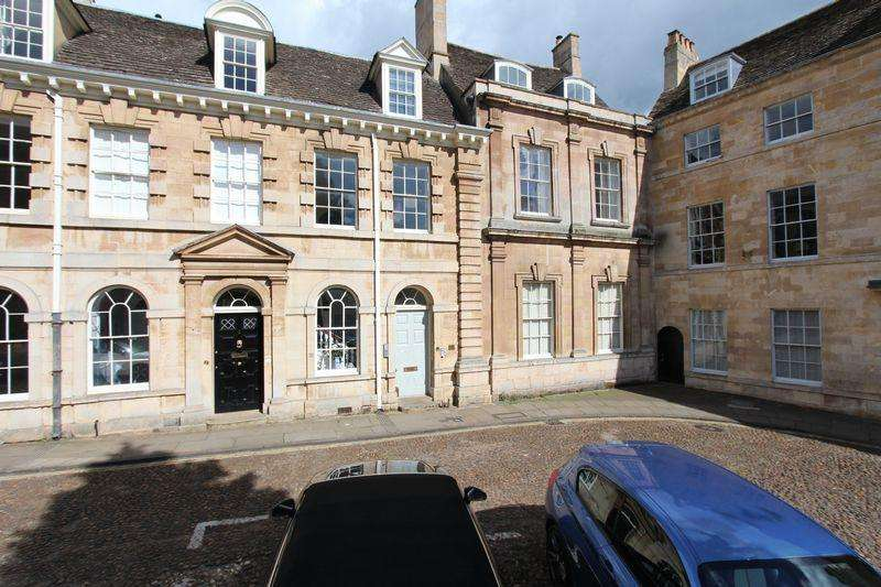 2 Bedrooms Apartment Flat for sale in St Marys Place, Stamford