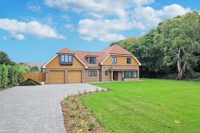 5 Bedrooms Property for sale in Hurn Way, Christchurch