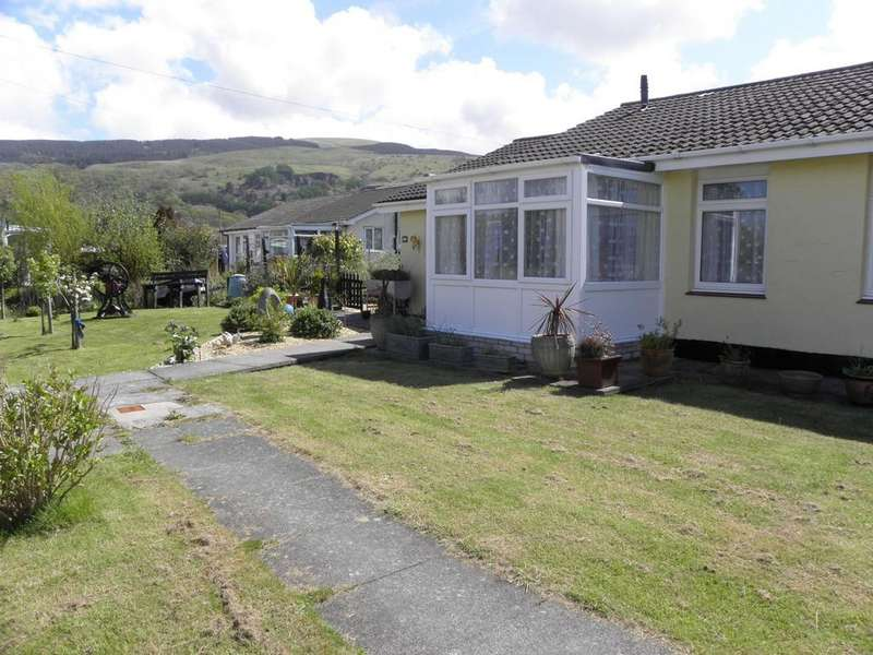 2 Bedrooms Bungalow for sale in 41 Glan y Mor, Fairbourne, LL38 2BX
