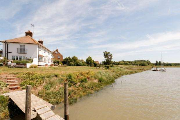 5 Bedrooms Detached House for sale in Nagden House Sandbanks Lane, Faversham, ME13