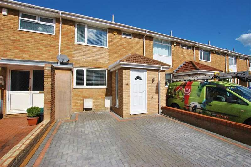 3 Bedrooms Terraced House for sale in Grass Meers Drive, Whitchurch