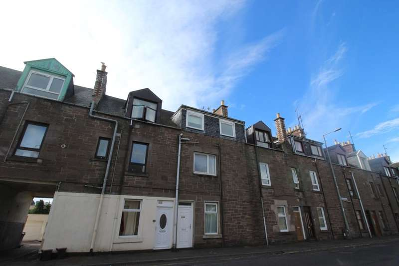 3 Bedrooms Flat for sale in B Montrose Street, Brechin, DD9