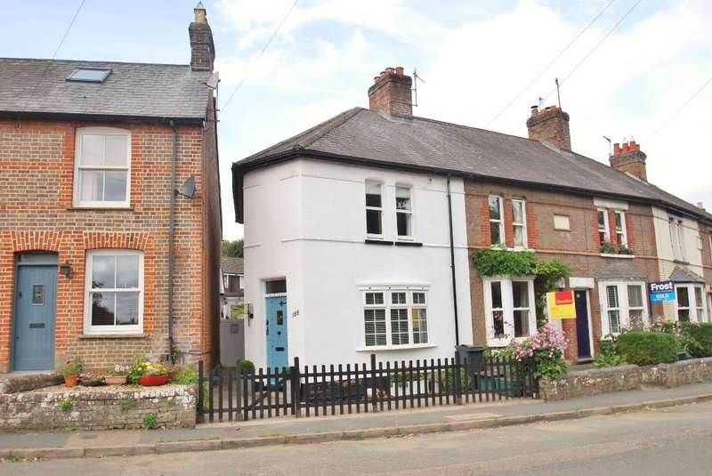 2 Bedrooms Terraced House for sale in Bois Moor Road, Chesham, HP5
