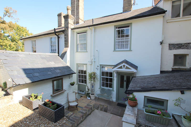 3 Bedrooms Terraced House for sale in London Road, Royston
