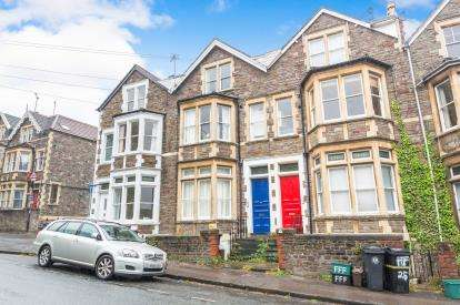 2 Bedrooms Flat for sale in Hampton Road, Bristol