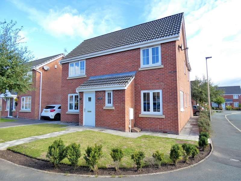 4 Bedrooms Detached House for sale in Kerscott Close, Wigan, Greater Manchester, WN3