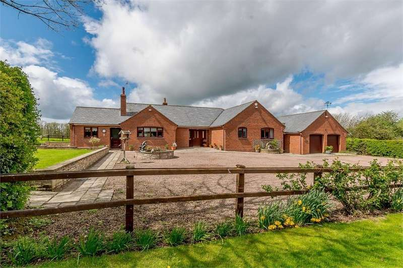 3 Bedrooms Detached Bungalow for sale in Broxwood, Nr. Pembridge, Herefordshire