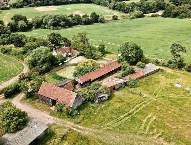 3 Bedrooms Farm House Character Property for sale in Rowhedge