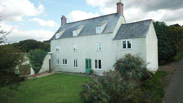 6 Bedrooms Detached House for sale in Eastbach, English Bicknor, COLEFORD