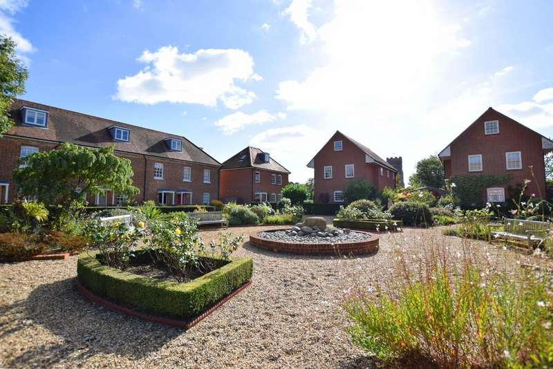 4 Bedrooms Town House for sale in Chedworth Place, Tattingstone, Ipswich