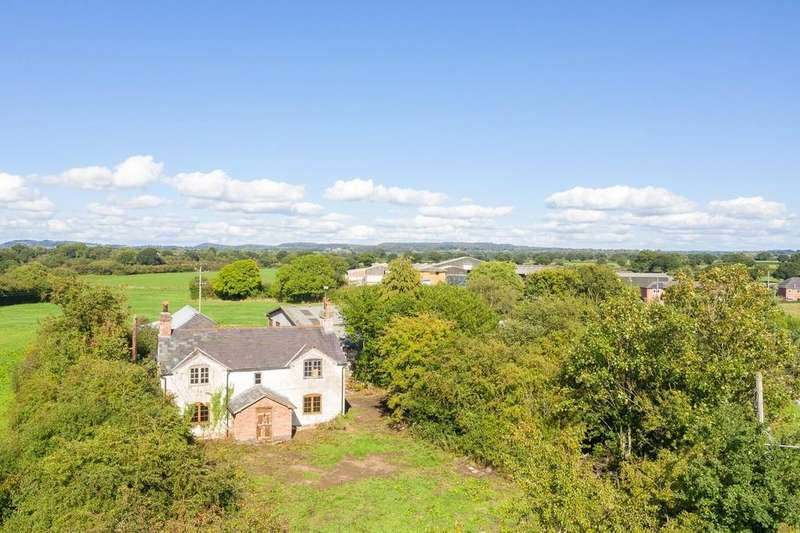 3 Bedrooms Detached House for sale in Heath Farm, Great Barrow, CH3 7LF