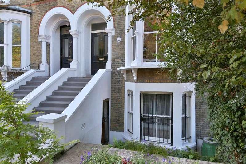 3 Bedrooms Maisonette Flat for sale in Amhurst Road, London